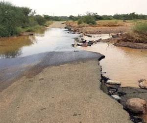أمير جازان يوجه بصيانة الطرق المتضررة من الأمطار