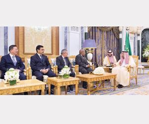 خادم الحرمين يتسلم أوراق اعتماد عدد من السفراء