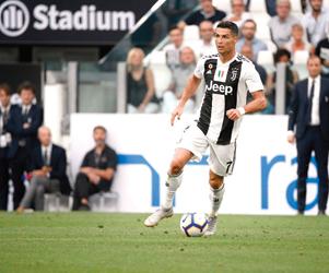 رونالدو غاضب من عدم اختياره أفضل لاعب