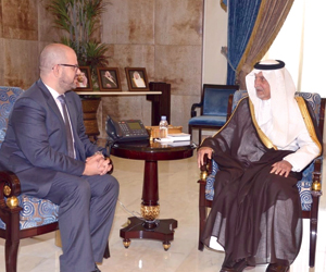 الفيصل يلتقي القنصل الأميركي