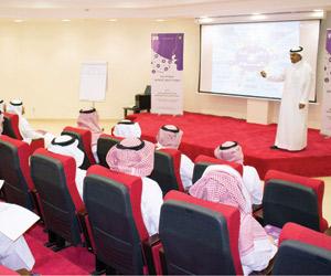 إذاعة وتلفزيون الخليج يقيم دورة مهارات الحوار الإع