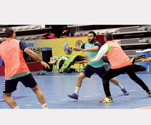 الأخضر يواجه البحرين في نصف النهائي الآسيوي