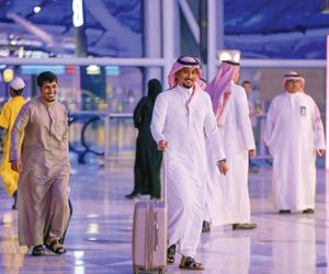 500 سيدة يتصدرن كاونترات مطار المؤسس