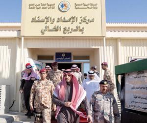 وزير الداخلية يدشن مركزي الإمداد بالربع الخالي وحر