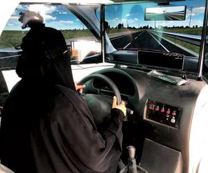 قيادة المرأة للسيارة يسهل ممارسة أعمالها التجارية