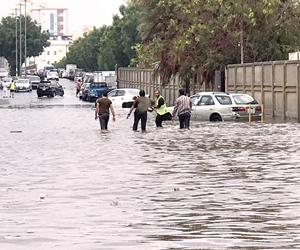 مستشفيات جدة تستقبل  29 حالة متفرقه جراء الأمطار