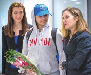 كندا تعلق 64 ألف طلب لجوء وتطير برهف