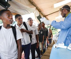جهود علمية عالمية لمعالجة مشكلة تفشيات إيبولا