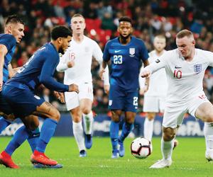 إنجلترا تسحق أميركا في تكريم روني
