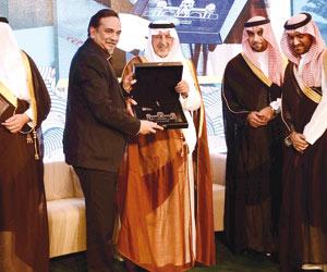 أمير مكة: سياسة الدولة مبنية  على التنمية والإعمار