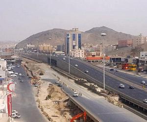 4 عوائق تؤخر تنفيذ مشروع جسر نوارية مكة