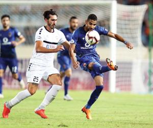 الأهلي المصري يستدرج الوصل في كأس زايد