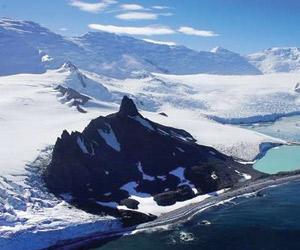 ذوبان 3 تريليونات طن  من جليد القطب الجنوبي