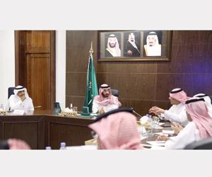 نائب أمير مكة يطلع على تطوير صالة الحج والعمرة