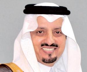 أمير عسير يستقبل المهنئين بالعيد