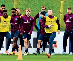 إنجلترا تخطط لفوز رابع في