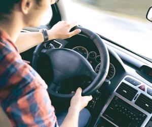 الاستماع للإذاعة يخفض التوتر أثناء القيادة