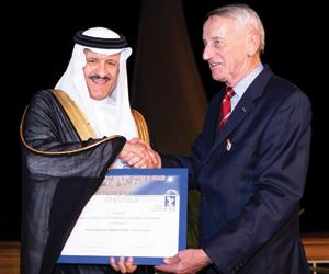 سلطان بن سلمان: الدولة تمول كليتين للطيران في جدة