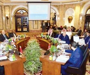 غياب غالبية القادة العرب عن قمة بيروت
