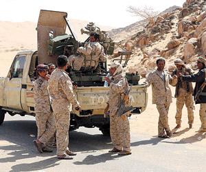 ميليشيات الحوثي تعترف بمقتل قيادي  وتجبر النازحين
