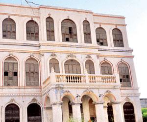 قصر بيت الكاتب بالطائف يحتضن مولد الراحل