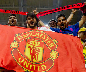 مانشستر يونايتد يرد على برشلونة برفع أسعار التذاكر