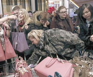 مطالبات بنقل فكرة التسوق العالمي في الجمعة البيضاء
