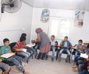 139 طالبا يستفيدون من المركز السعودي في الزعتري