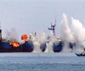 سحب سفينة تركية تعرضت لانفجار بميناء الصليف