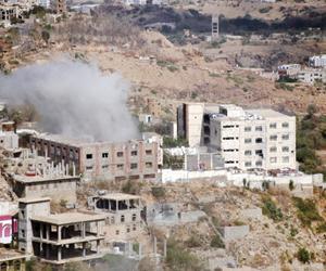 ميليشيات الحوثي تقصف المدنيين وتدمر مخازن الغذاء ف