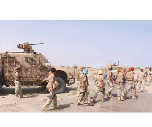 تعزيزات للشرعية بالحديدة والحوثي يستهدف الفنادق