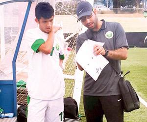 رباعية تجهز الأخضر الشاب للدولية