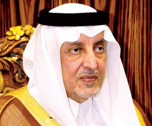 أمير مكة المكرمة يستقبل المهنئين بالعيد