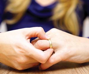 أخصائيون اجتماعيون: الطلاق يعني أن الزواج كان نجاح