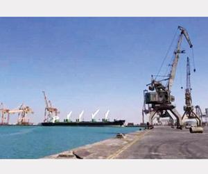 الانقلابيون يمنعون دخول السفن لميناء الصليف