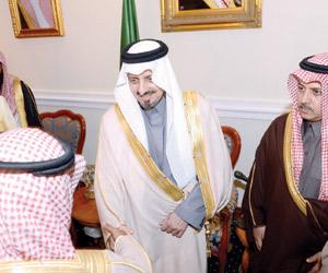 فيصل بن خالد يخصص الجلسة الأسبوعية للأوامر الملكية