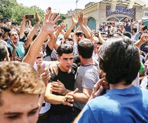 تفجر الأوضاع يهز حكومة روحاني